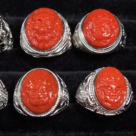 南红玛瑙瑞兽戒指,纯银镶嵌,满肉满色图片