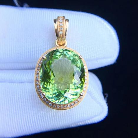 天然苹果绿碧玺吊坠,10.8克拉,晶体全净图片