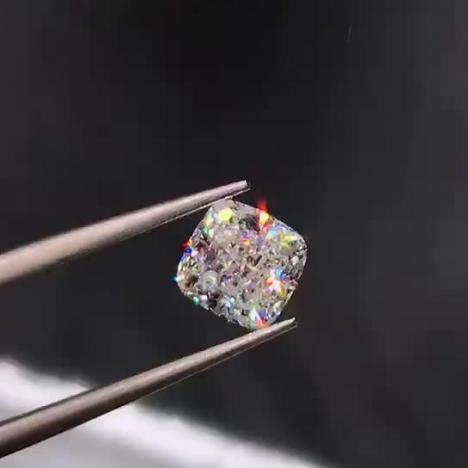 高净度垫形天然钻石,1.01克拉 F色 VVS1净度