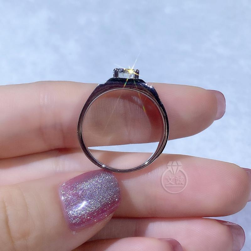通灵男戒莫桑钻戒指1克拉,D色VVS净度,银镶嵌,可定制18K金