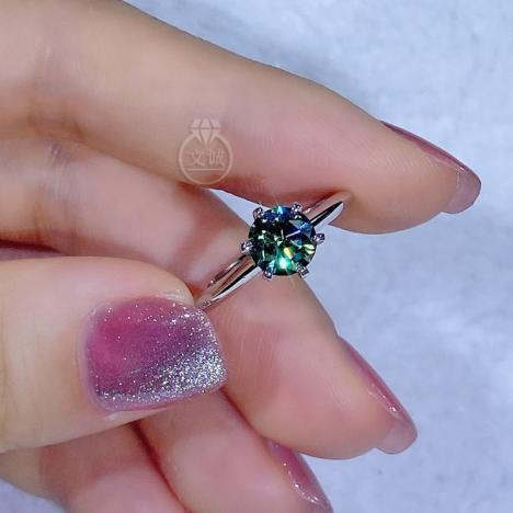 六爪绿色莫桑钻戒指50分1克拉2克拉,D色VVS净度,银镶嵌,可定制18K金