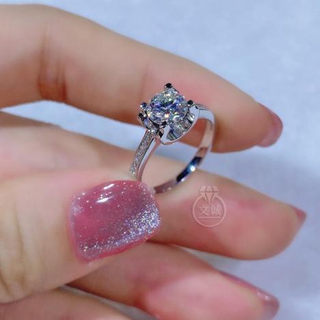 牛头微镶莫桑钻戒指1克拉,D色VVS净度,银镶嵌,可定制18K金