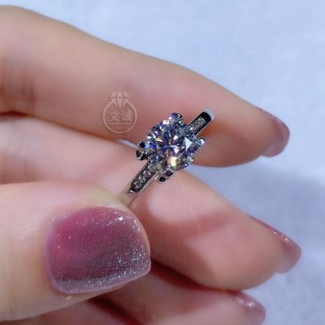 牛头微镶活口莫桑钻戒指1克拉,D色VVS净度,银镶嵌,可定制18K金图片