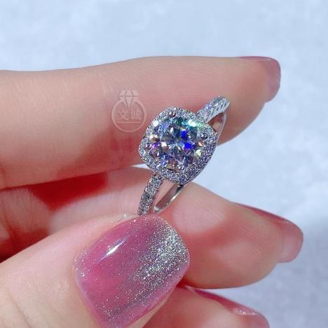经典方包款莫桑钻戒指50分1克拉2克拉,D色VVS净度,银镶嵌,可定制18K金图片