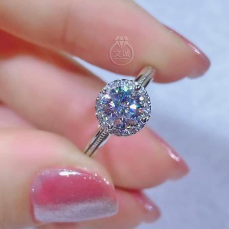 圆包款莫桑钻活口戒指1克拉,D色VVS净度,银镶嵌,可定制18K金
