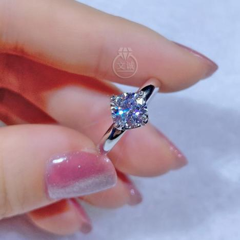 时来运转四爪活口莫桑钻戒指1克拉,D色VVS净度,银镶嵌,可定制18K金