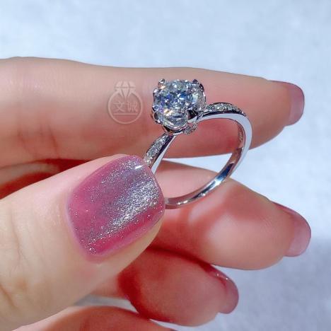 *周家花苞款莫桑钻戒指1克拉,D色VVS净度,银镶嵌,可定制18K金