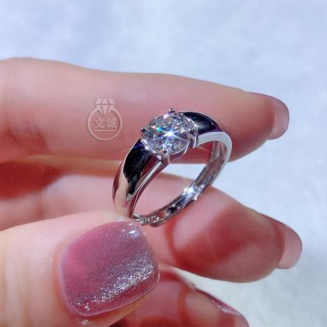 弧面男戒莫桑钻戒指1克拉,D色VVS净度,银镶嵌,可定制18K金