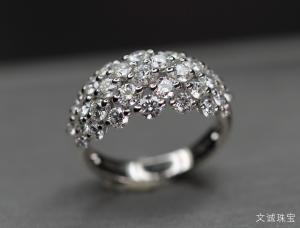 如何区分钻石和水晶,两者有何不一样