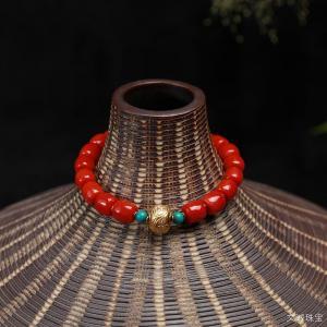 佩戴红珊瑚有好处吗,戴红珊瑚手链吊坠好处是什么呢
