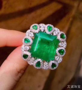 祖母绿适合什么人戴,什么人不适合戴祖母绿宝石呢