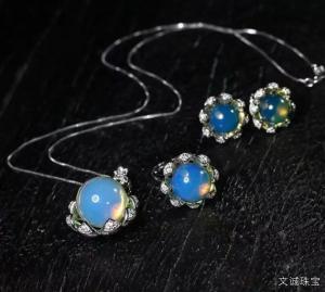 什么样的蓝珀才是有收藏价值的,用于收藏级别的蓝珀有哪些特点?