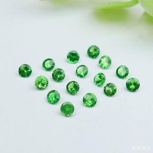 沙弗莱石介绍,沙弗莱石的美不输祖母绿,美呆了