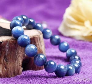 蓝晶石的折射率,硬度,密度,蓝晶石特征介绍