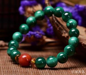 孔雀石绿与孔雀石的区别在哪里,孔雀石绿与孔雀石各自有什么特点