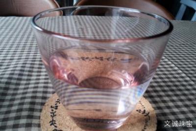制作水晶水,天然水晶石泡水喝,长见识了