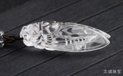 佩戴白水晶吊坠的好处,白水晶的功效是什么