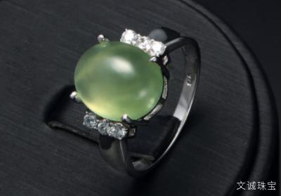 葡萄石的功效与作用介绍——美美的解忧宝石