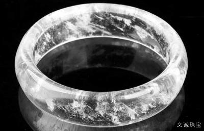 白水晶的功效与作用有什么,佩戴白水晶有什么好处