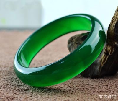 帝王绿翡翠是什么,帝王绿翡翠价格影响因素