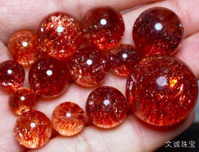 精品金草莓水晶吊坠价格多少钱,草莓晶品质怎么看
