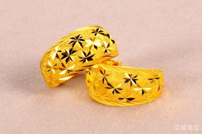 黄金耳钉不亮了怎么办,黄金耳钉在家怎么清洗?