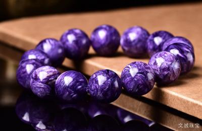 紫龙晶和舒俱来的区别是什么,紫龙晶和苏纪石有什么不一样?