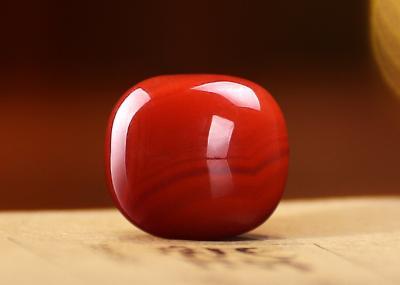 南红玛瑙和金丝玉的区别,南红玛瑙和金丝玉有什么不一样?