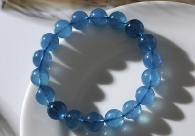 天然海蓝宝石品质好坏怎么看,怎么挑选鉴别海蓝宝的质量?