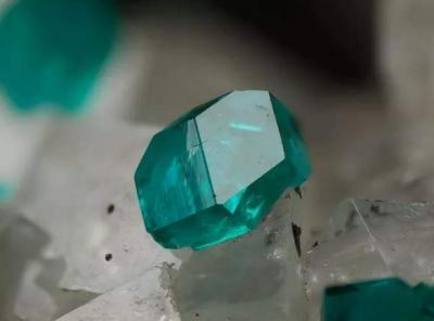 稀有宝石之绿色篇:透视石
