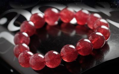 天然粉水晶和草莓晶的区别是什么,有什么不同和不一样?