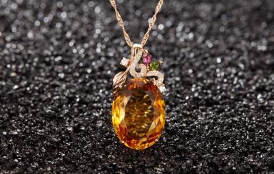 天然黄水晶和黄宝石的区别,黄水晶和黄色蓝宝石的区别和不一样?