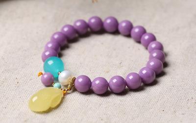 天然紫云母和紫罗兰翡翠的区别,二者有什么不一样?