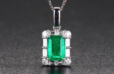 祖母绿宝石和绿碧玺的区别是什么,不一样和不同点?