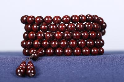红酸枝和小叶紫檀的区别是什么,有哪些不一样?