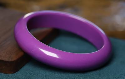紫云母和紫翡翠的区别是什么?哪个更好些?