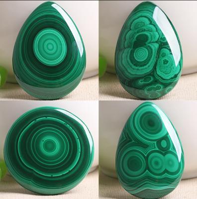 孔雀石和绿松石的区别有哪些,怎么区分鉴别,图片对比?