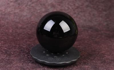 天然黑曜石球的真假鉴别方法,黑曜石水晶球如何辨别真假?