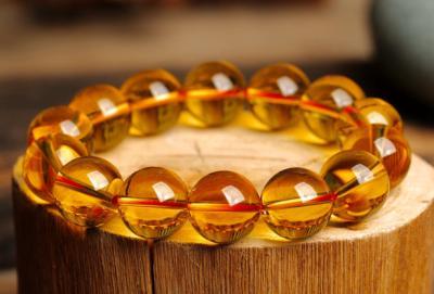 佩戴天然黄水晶有什么好处和作用,戴黄水晶手链吊坠好处?