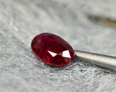 什么是红宝石充填处理,红宝石充填怎么鉴别