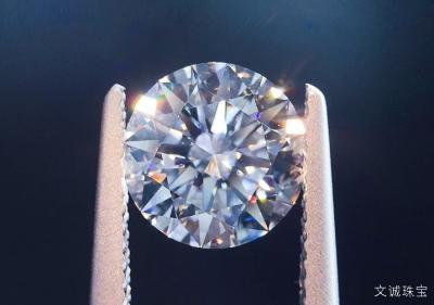 八克拉钻石有多大尺寸,8克拉钻石价格多少钱